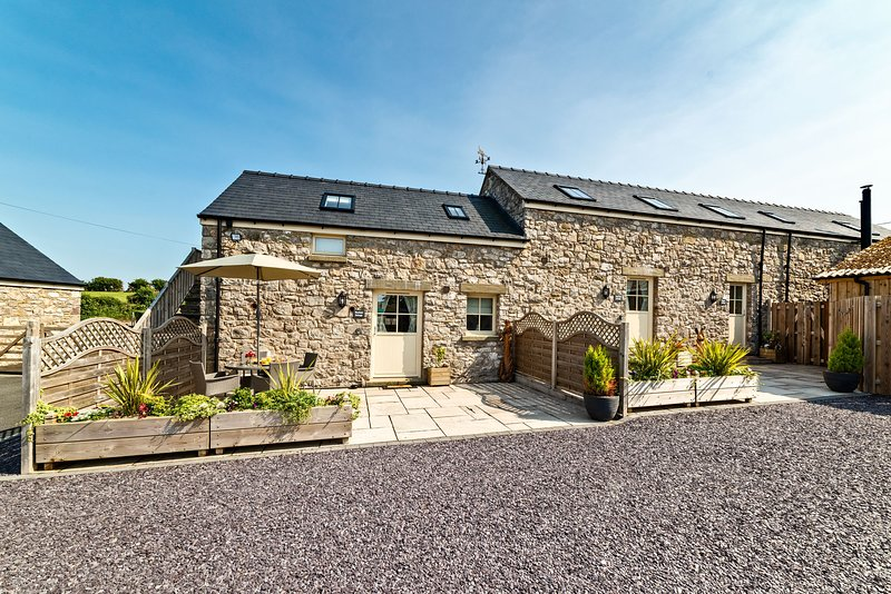 Berth Y Bwl Cottages, Trelogan: Piggery Cottage, holiday rental in Caerwys