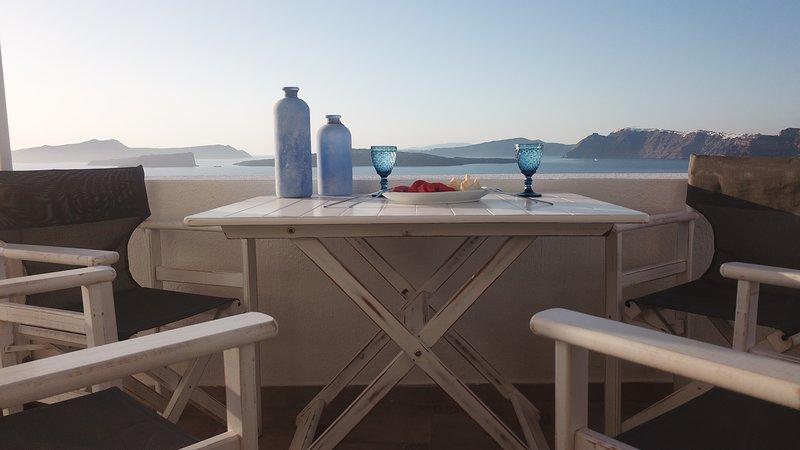HEMERA HOLIDAY HOME VILLA IN SANTORINI, Ferienwohnung in Santorin
