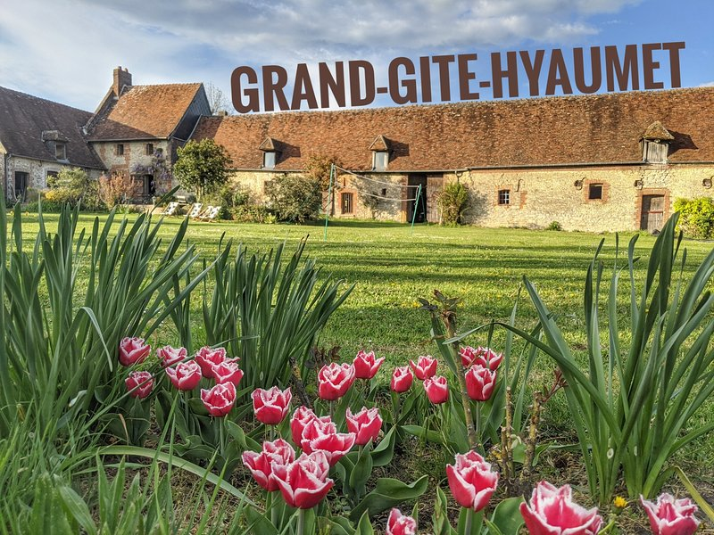 Grand Gite Hyaumet, casa vacanza a Ons-en-Bray