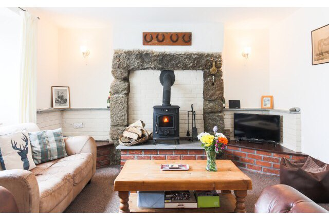 Cosy Cornish cottage.countryside village.near the coast. pet and child friendly., vacation rental in Scorrier
