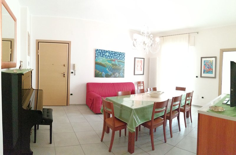 Scopri l'accoglienza di una casa vicino al mare., holiday rental in Gallipoli