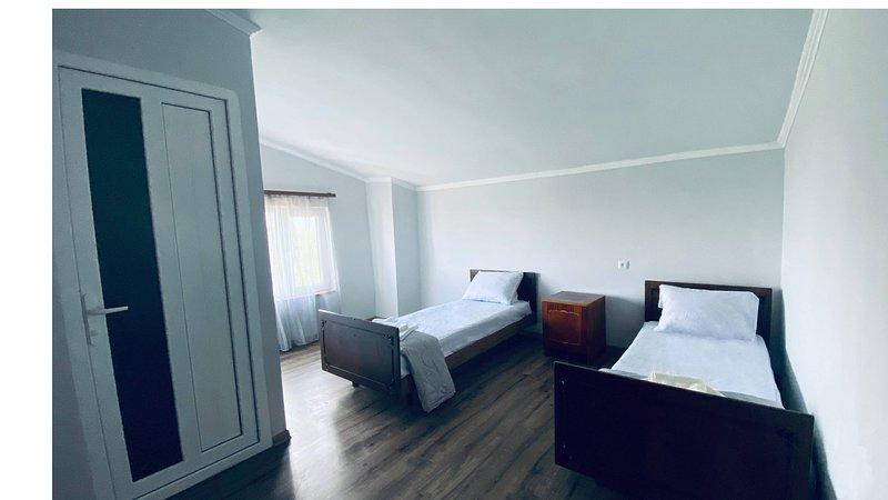 Byurakan Guest House Room with a view, alquiler de vacaciones en Ashtarak