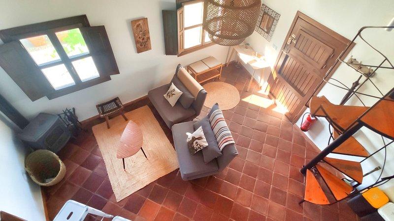 Apartamento dúplex en cortijo 'sa mayma', holiday rental in Beznar