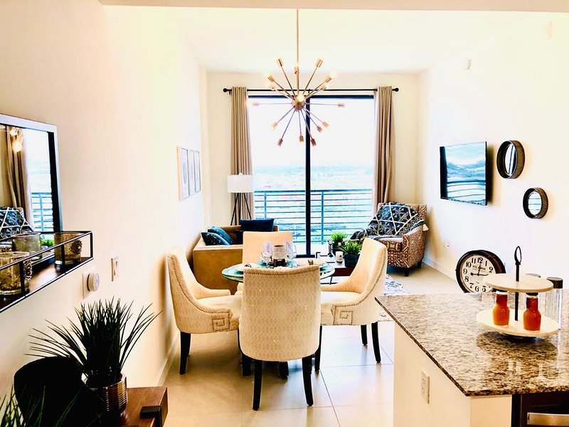 Come stay at this new apartment in Miami, holiday rental in Miami Lakes