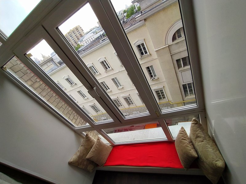 Luxe studio near Tverskaya St., vacation rental in Sergiyevo-Posadsky District