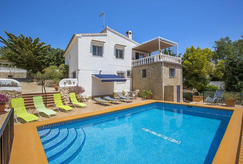 Villa Elvira - Villa with private pool close to the beach in La Fustera, holiday rental in Calpe