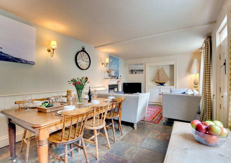 Sideways Cottage, holiday rental in Fowey