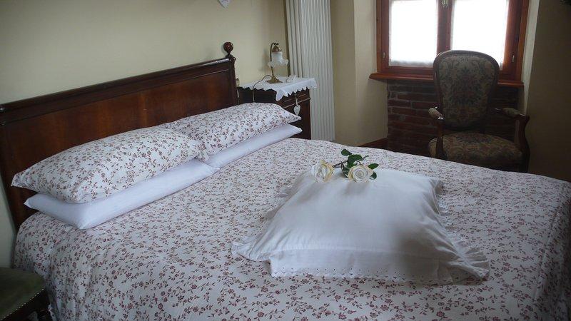 DIMORA FIORITA JUNIOR  MY HOLIDAY HOUSE, vacation rental in Rimasco