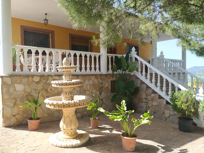 CASA LOS ANGULOS, vacation rental in Quesada