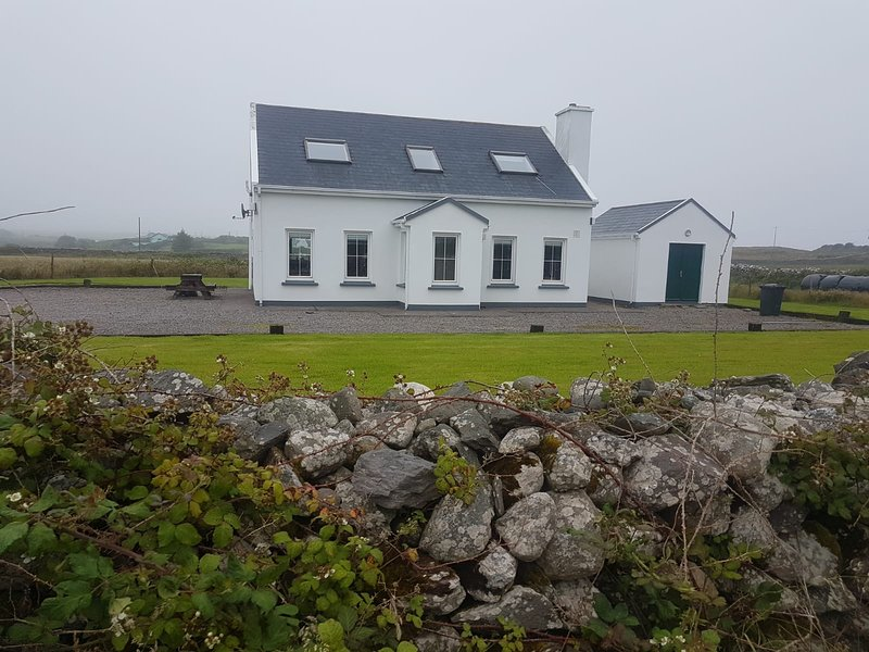 A great base to explore the ring of kerry, Ferienwohnung in Ballinskelligs