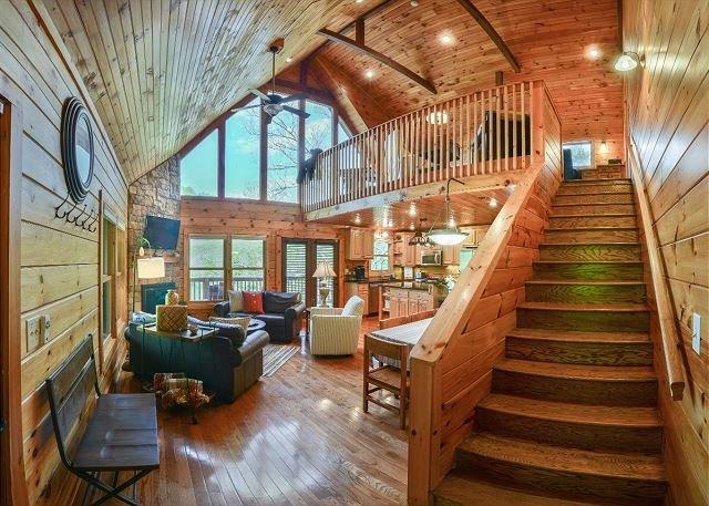 Waterfront Luxury at Watauga Lake!, alquiler vacacional en Butler