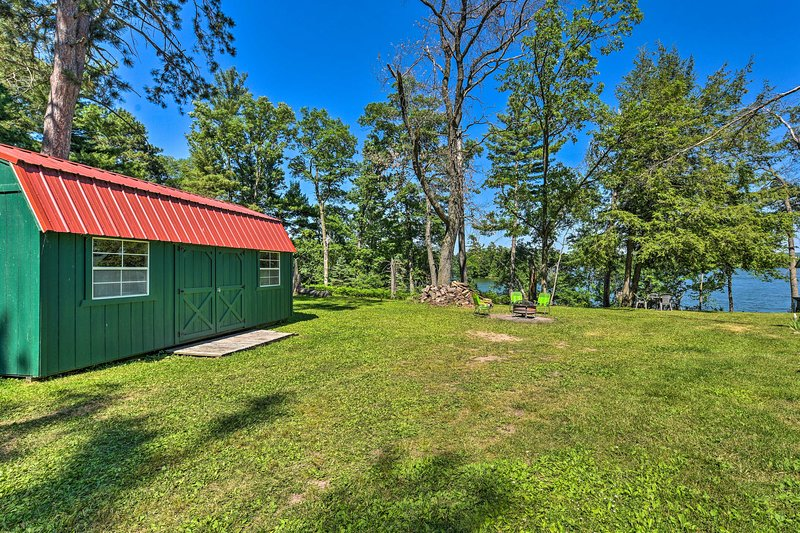 Your next trip to Chetek begins at this lakefront cabin!
