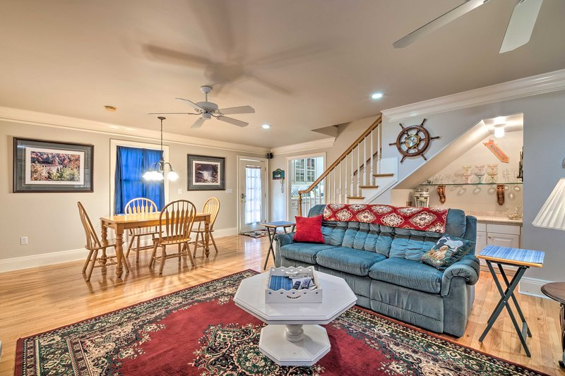 NEW! Bucolic Cottage w/ Fire Pit, 2 Mi to Marina!, vacation rental in Columbia