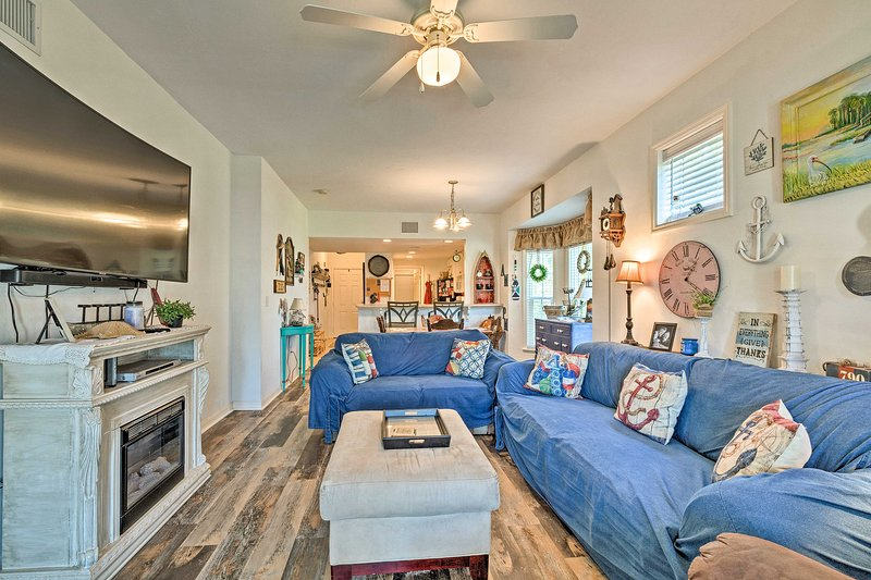 Book a trip to this cozy vacation rental condo in Suwannee.