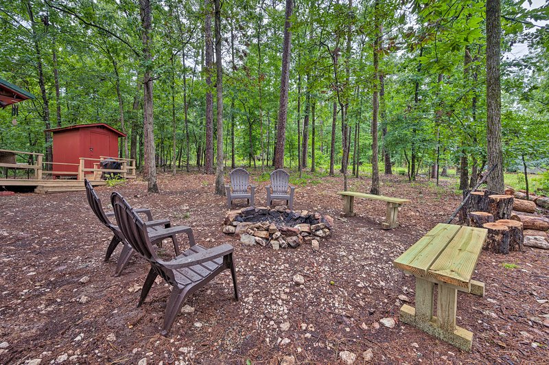 Private Outdoor Space | Fire Pit | Outdoor Furniture | Wooded Lot