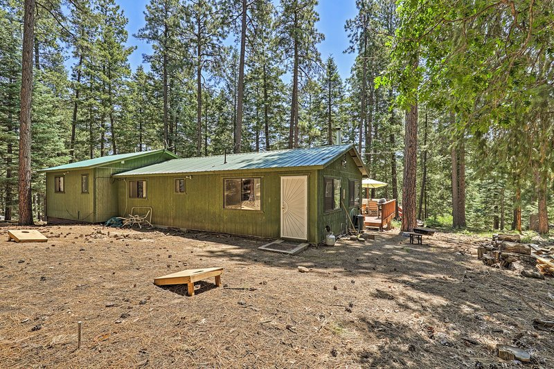 Cabin Exterior: Corn Hole | Furnished Deck