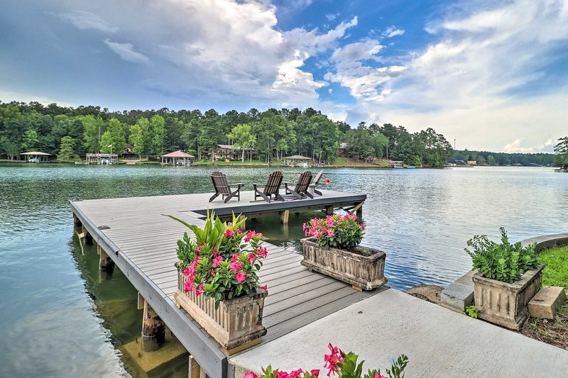 Lake living is truly unbeatable!