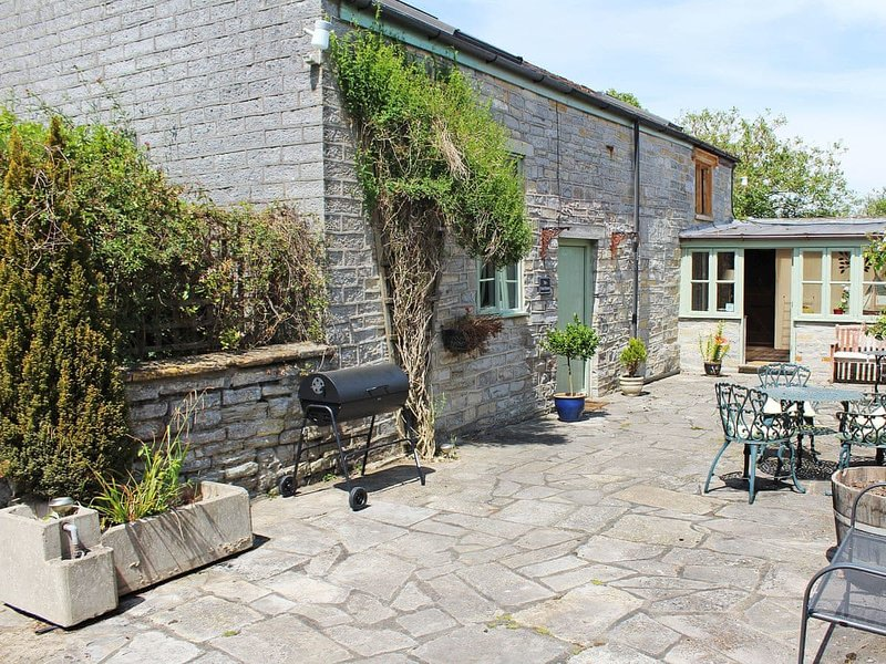 The Tack Room - UK30438, holiday rental in Martock