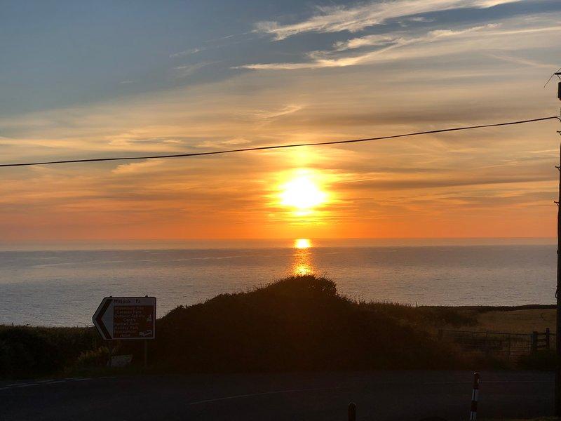 Cornish Holiday Chalet, aluguéis de temporada em Widemouth Bay