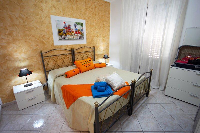 Splendido Appartamento Casa Vacanza - fino a 5 posti., holiday rental in Contessa Entellina