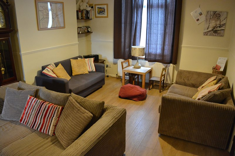 TY SKYLINE HOUSE - comfort for active holidays, casa vacanza a Neath Port Talbot