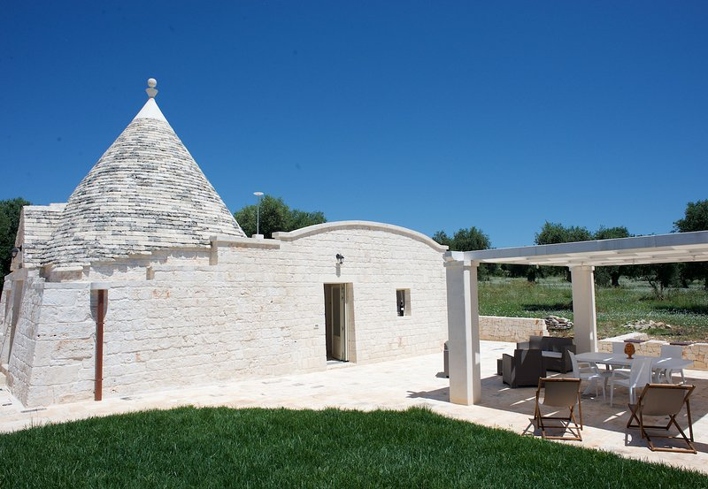Trullo Maddy with WIFI, aluguéis de temporada em Masseria Piccola