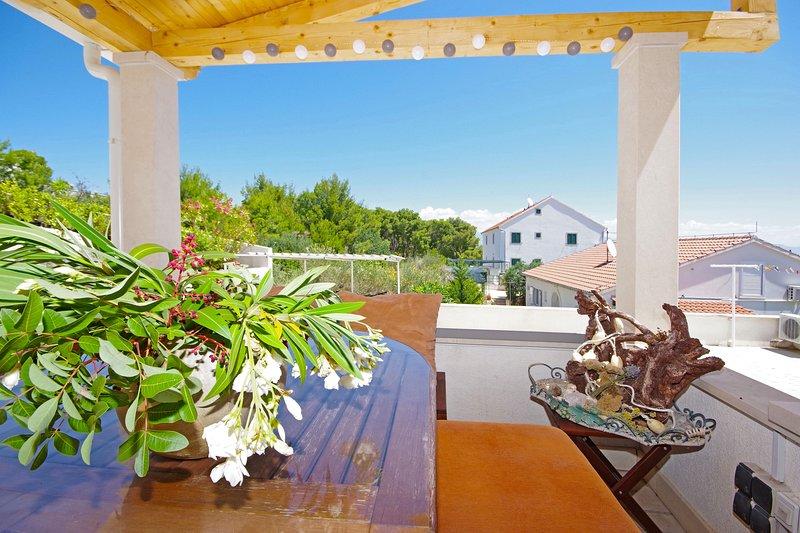 Apartmani Silva 2, vacation rental in Sutivan