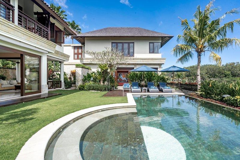 Villa Impian Manis Bali, vacation rental in Kuta Selatan