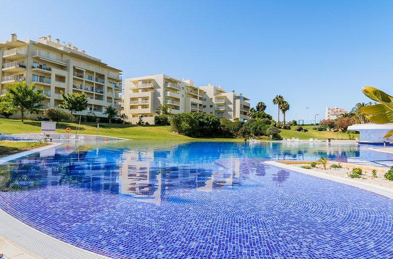 Sinapis Apartment, Alvor, Algarve, !New!, location de vacances à Alvor