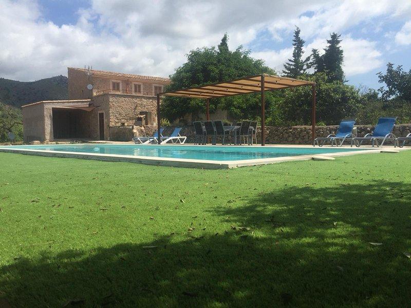 Finca de Piedra en un magnifico entorno, holiday rental in Sant Llorenç des Cardassar