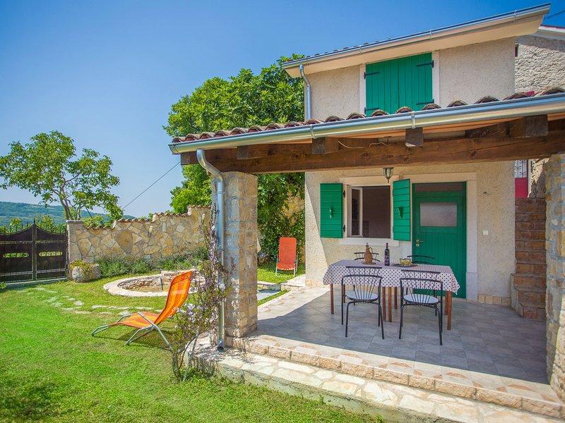 House Mimoza (MVN150), casa vacanza a Motovun