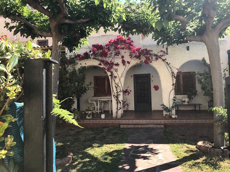 VILLA EN PLAYA ALMADRABA, vacation rental in Benicasim