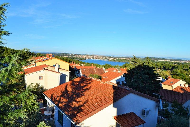 Apartment with sea view, alquiler vacacional en Premantura