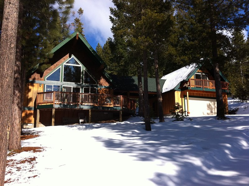 Ski, snowshoe, or snowmobile from the front door to nearby national forest trails.