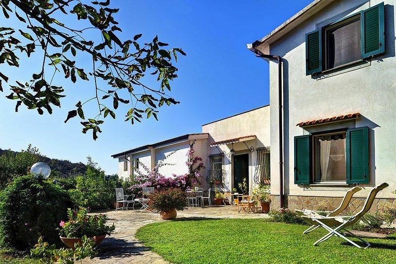 Sorrento Hills Comfort Villa, aluguéis de temporada em Comiziano