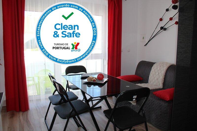 Estudio c/quintal privado a 2 minutos a pé da Praia Peniche Gamboa, aluguéis de temporada em São Pedro