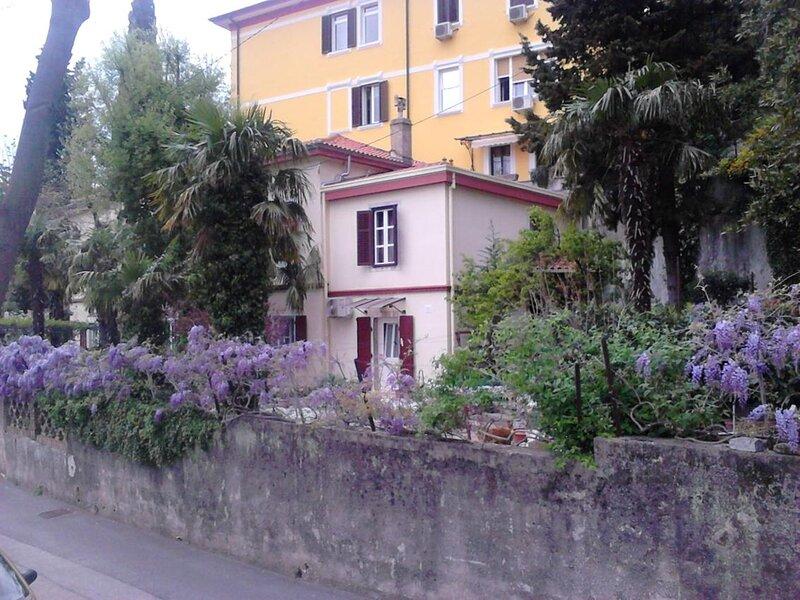 Room Rijeka (S-18278-a), casa vacanza a Cavle