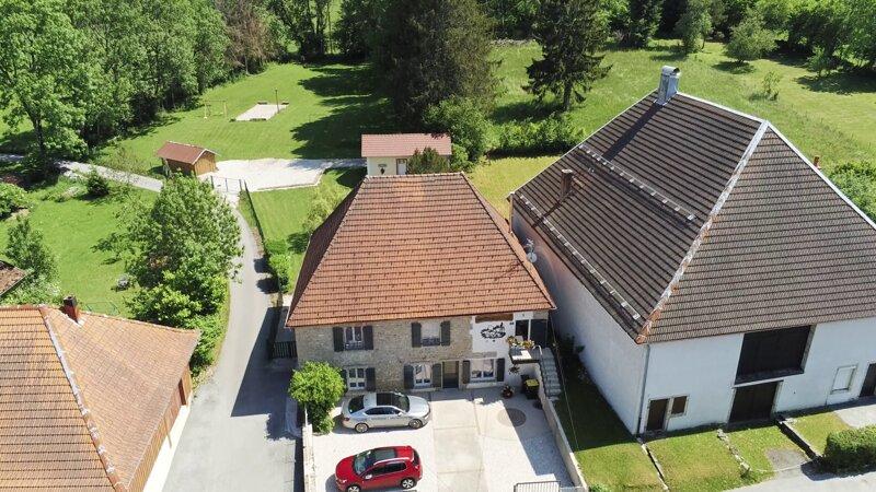 Gite spa 4* dans le Doubs, location de vacances à Les Gras