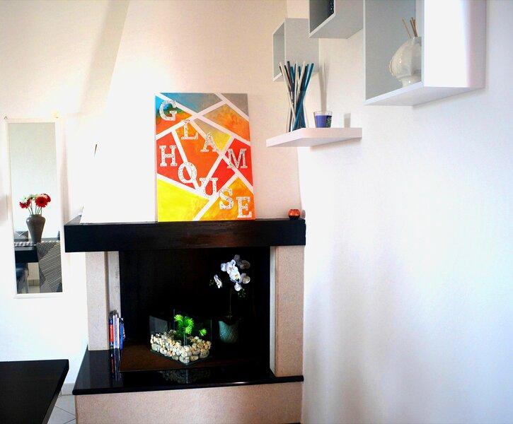 Salento Glam House luminosissimo appartamento a soli 200m dal mare cristallino, vacation rental in Melendugno