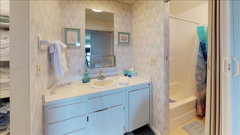 Indoors,Room,Furniture,Sink,Bathroom