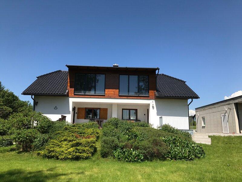Haus Stadlau im Sommer