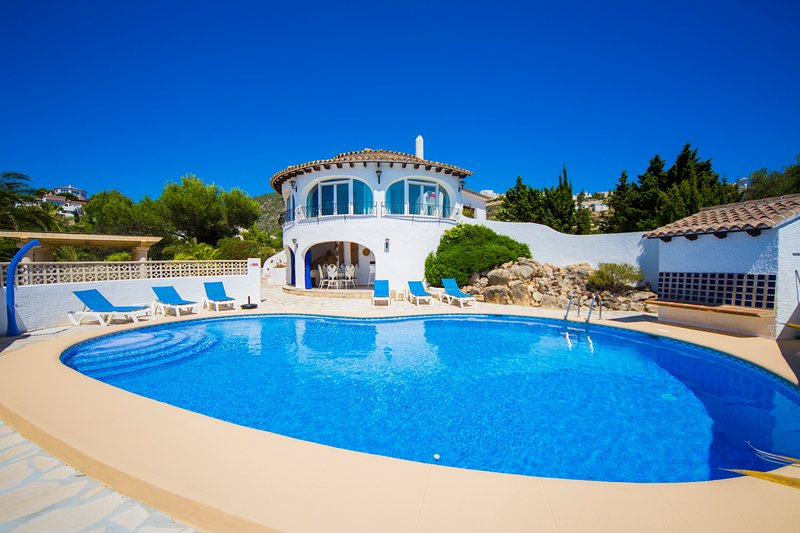 villa Mirador al Sur from the pool terrace