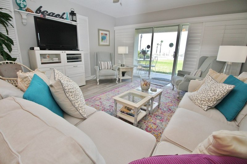 Karyn's Oasis ~ 13C ~ On the Beach  (2 Bedrooms), vacation rental in New Smyrna Beach