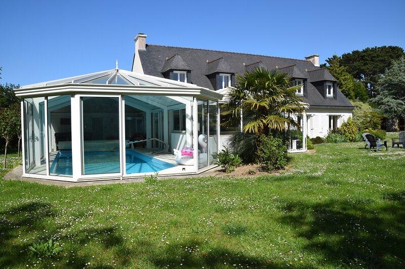 Big villa with swimming-pool & Wifi, alquiler vacacional en Locquirec