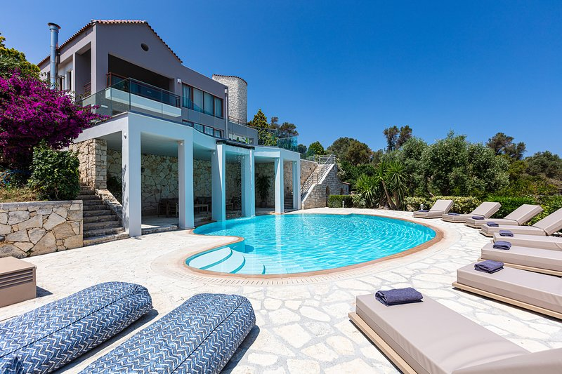 Villa Lime | 6Br | 420sqm | 2 Pools, vacation rental in Giannoudion