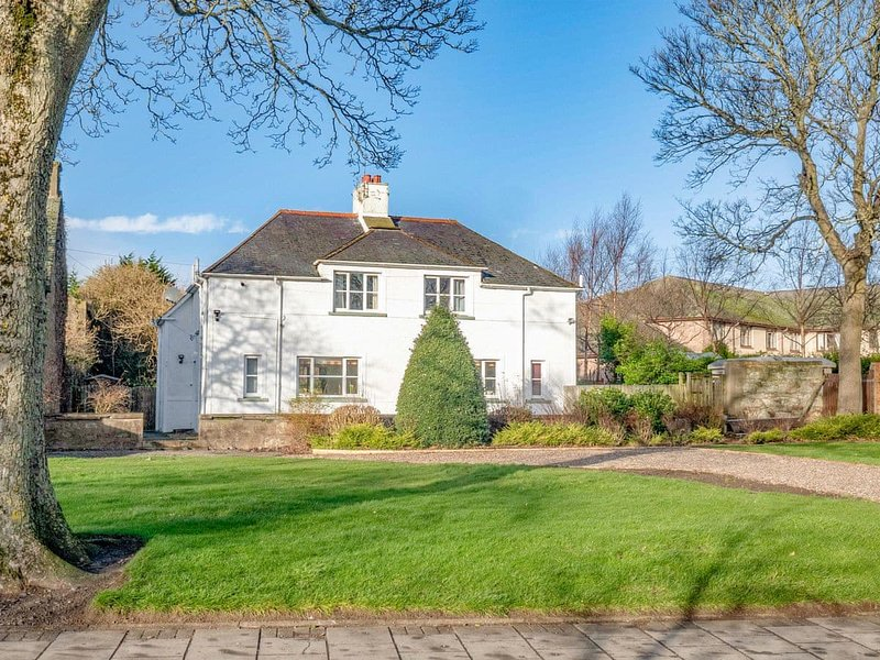 The White House, holiday rental in Edzell