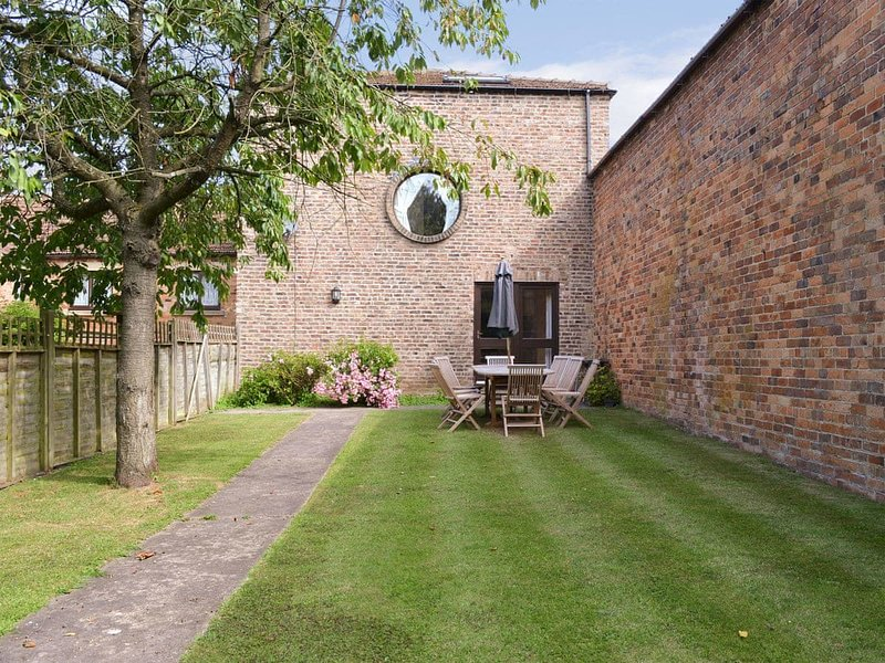 Owls Rest - IUA, holiday rental in Staxton