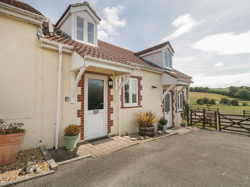 Snaffles, Weymouth, holiday rental in Upwey