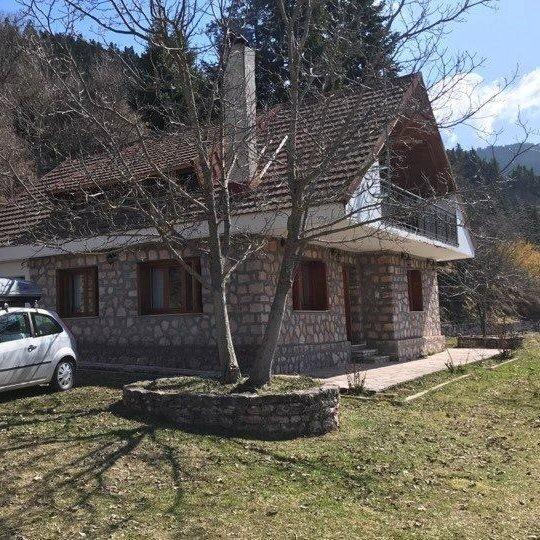 Στάβλοι, Καρπενήσι Mikro Katafygio, holiday rental in Krikello