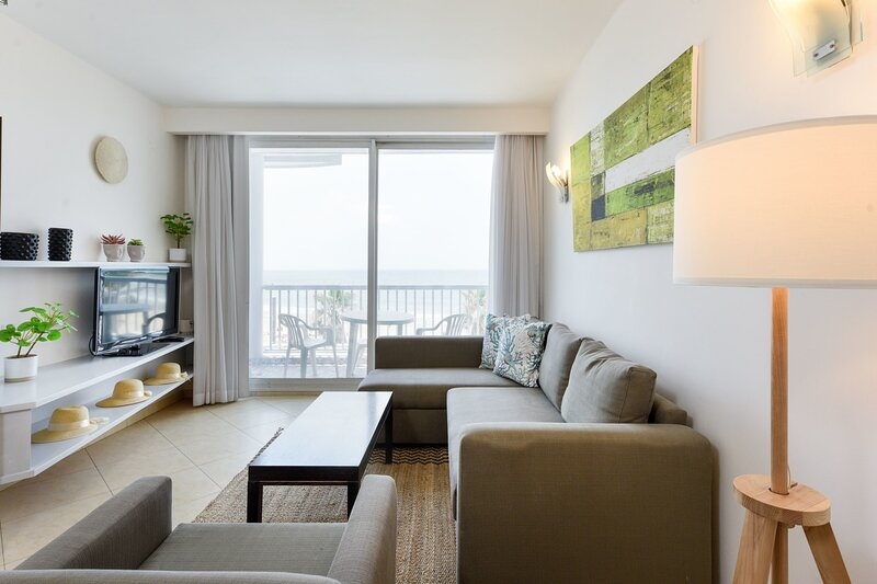 TRUMPELDOR BEACH FRONT in Nice building-UNIT 34, holiday rental in Jaffa